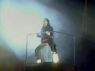 1996 - Earth Song (BRIT Awards)
